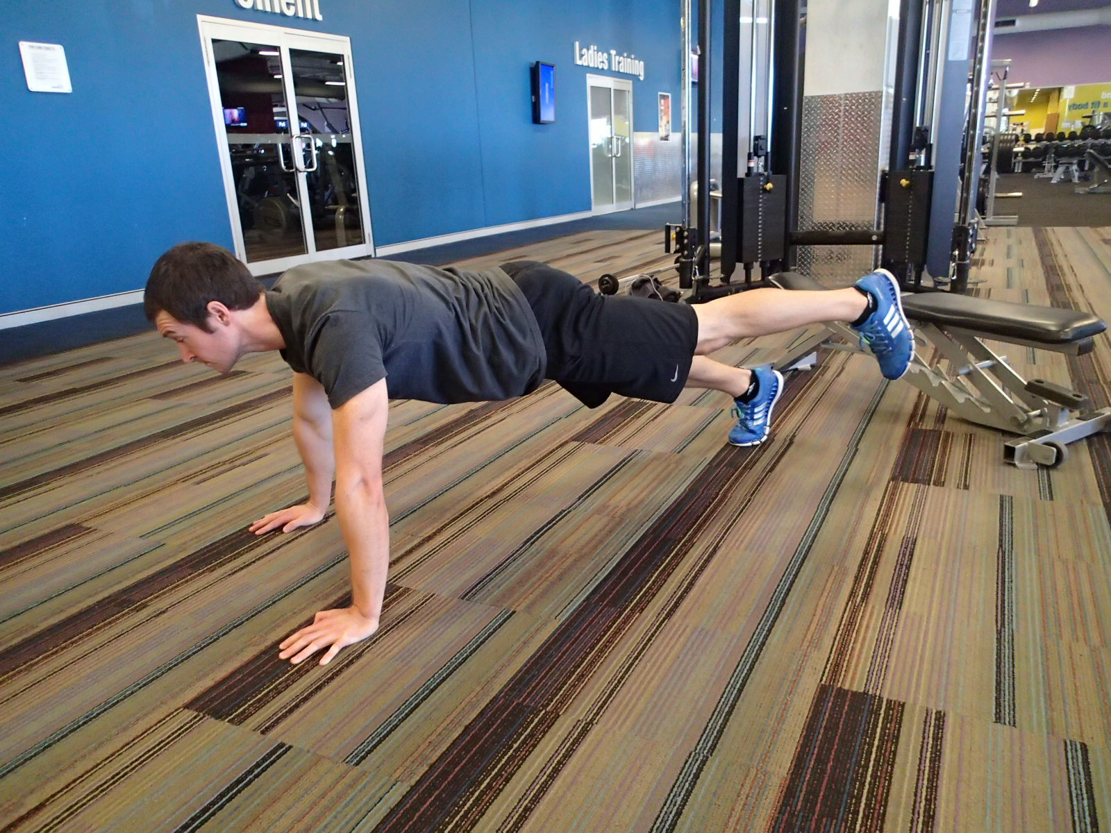 Push-Up - Single Leg