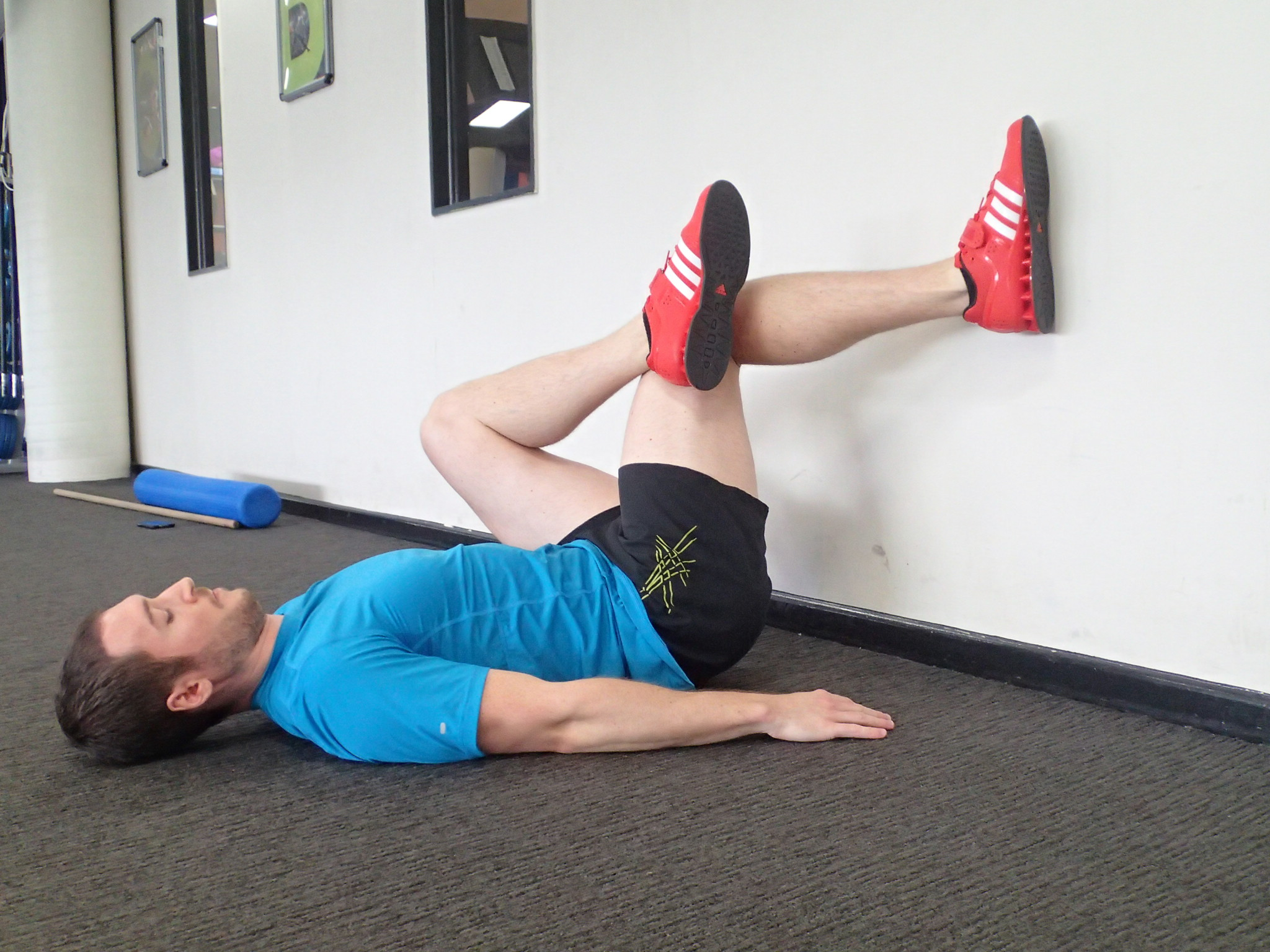 10b - Wall Hip Internal Rotator Stretch